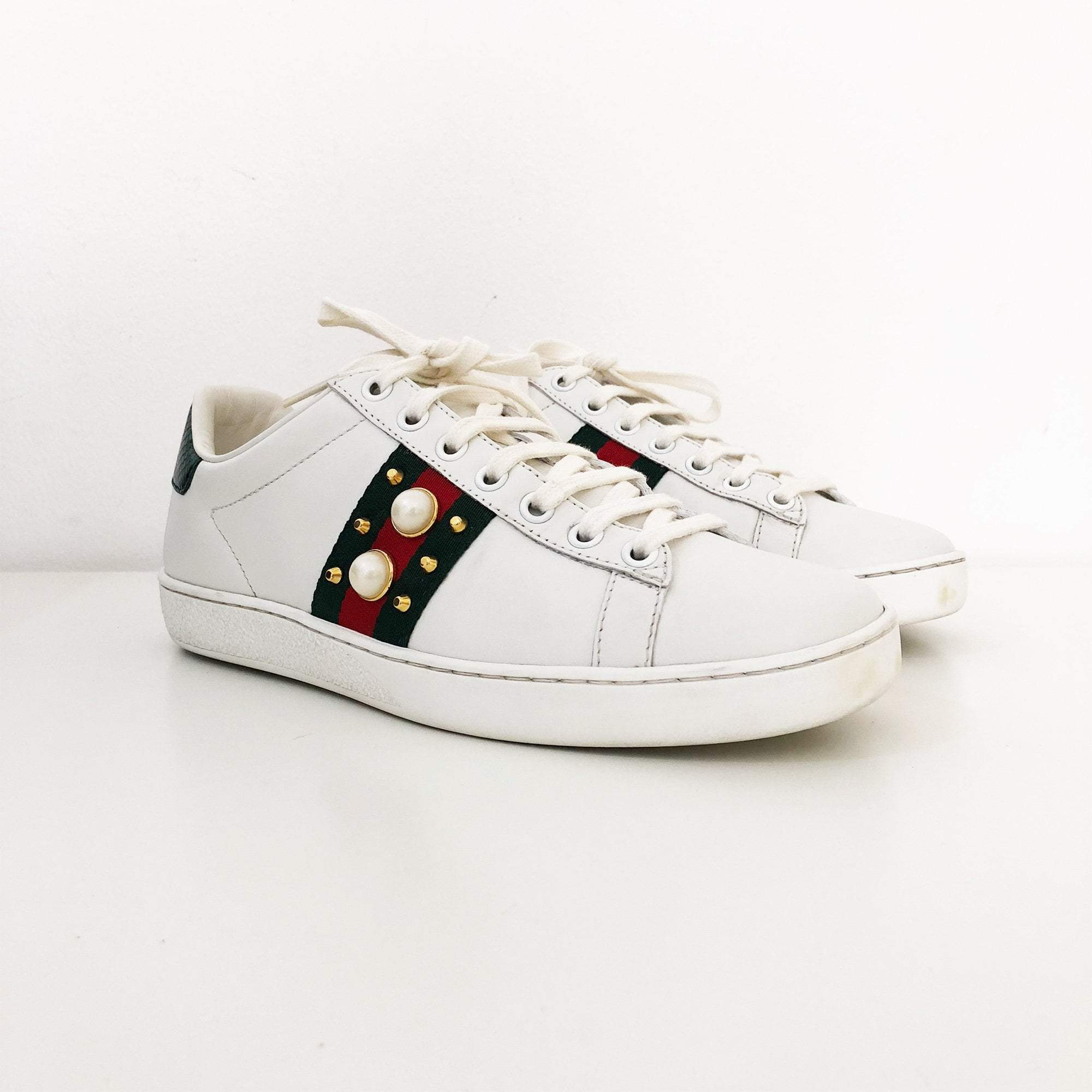 0fb93b3fc41 Gucci White Ace Studded Leather Low-Top Sneakers – Garderobe