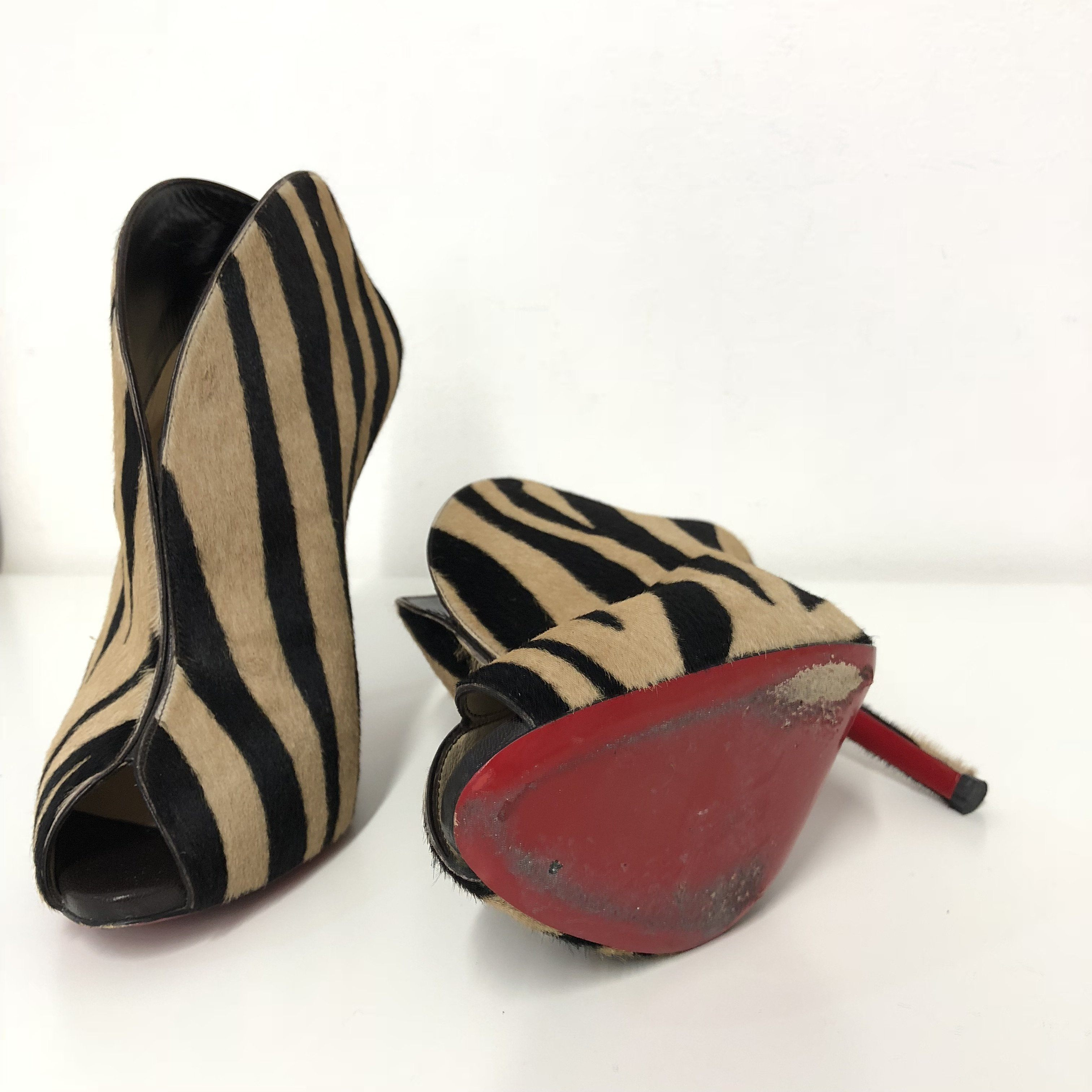 Christian Louboutin Chester Fille 120 Tiger-Print Calf Hair Ankle Boots