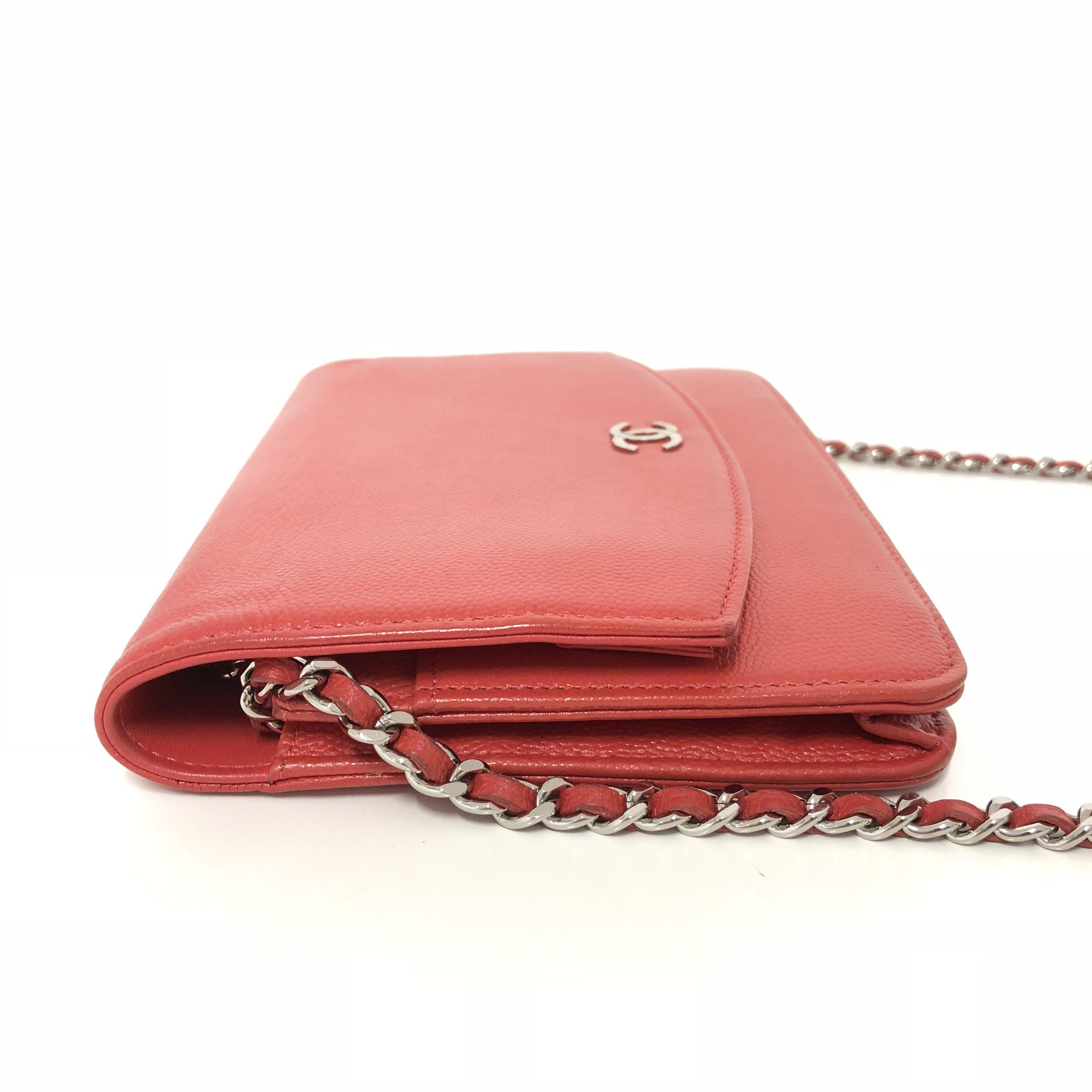 8d7f7065bfd2 Chanel Caviar Wallet On Chain Red Crossbody Bag – Garderobe