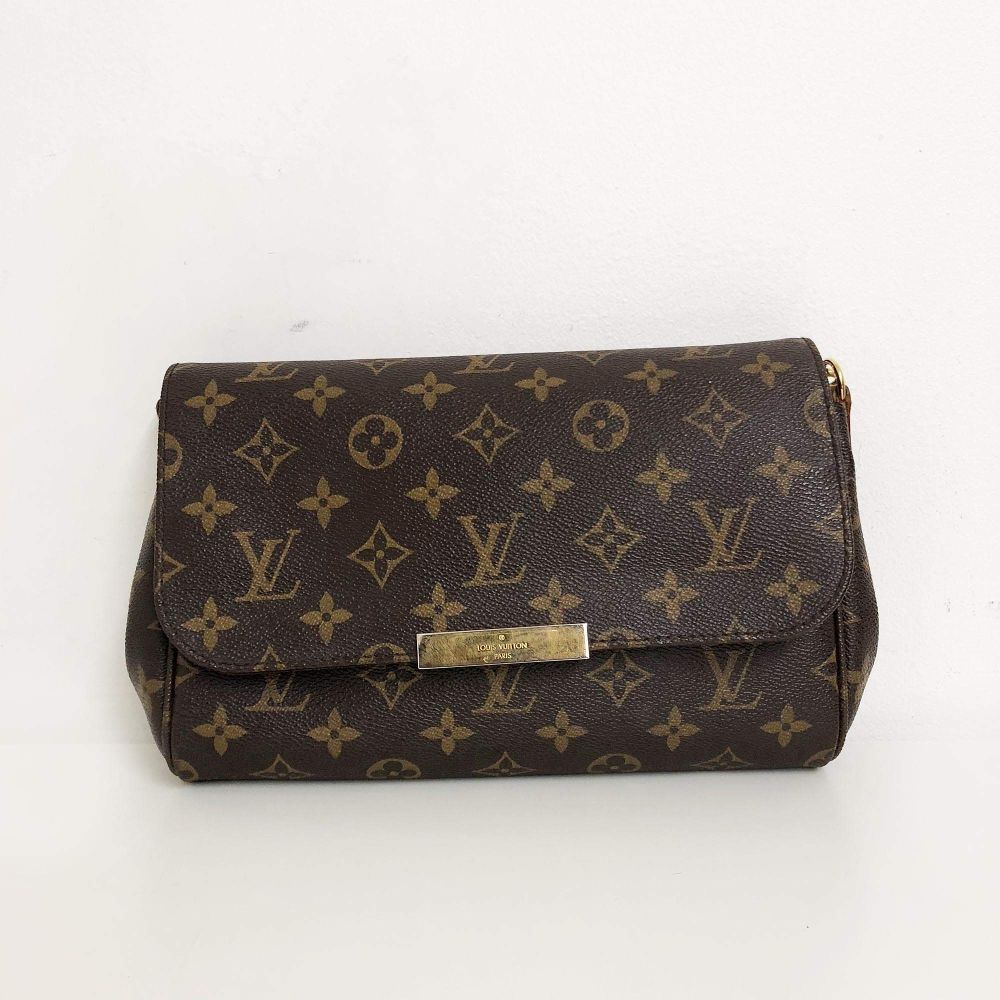 74465a95c88a Louis Vuitton Monogram Favorite MM Bag – Garderobe
