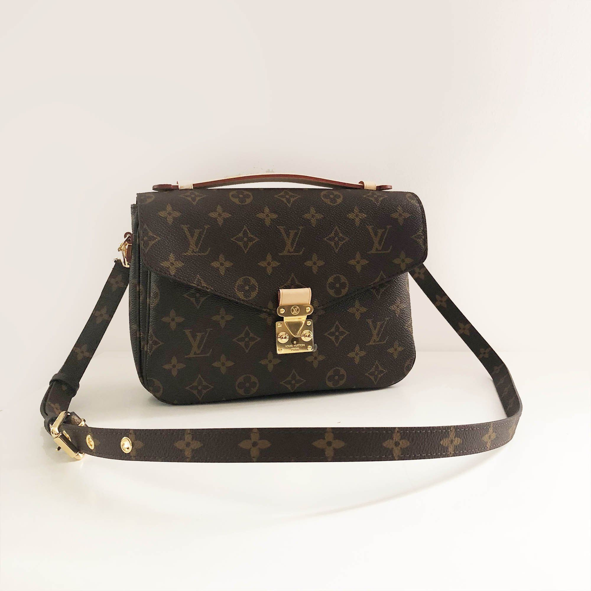 Louis Vuitton Alma Monogram Bag Garderobe