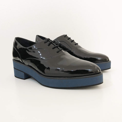 Palomitas Black Patent Leather Lace Up Oxfords