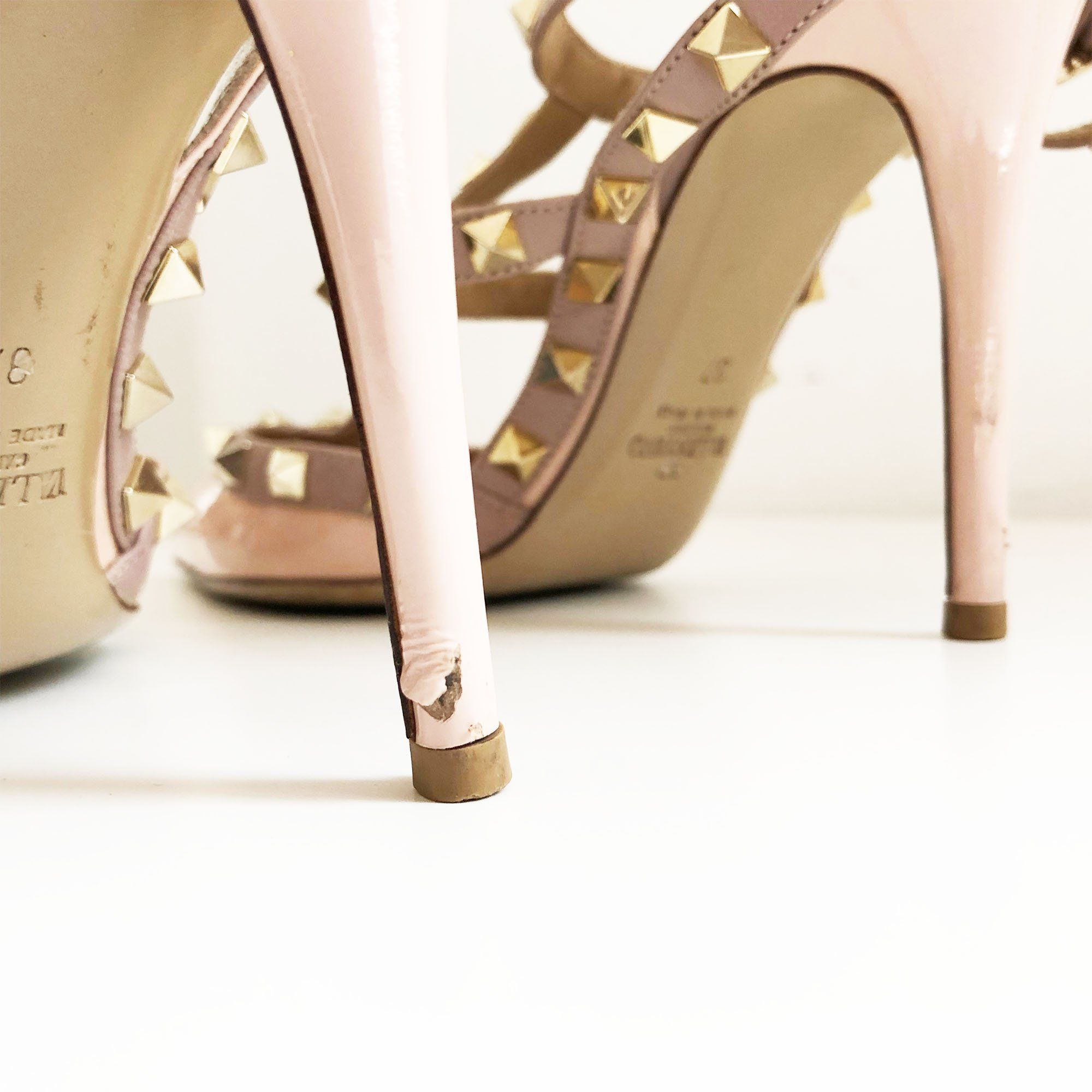Valentino Light Pink Rockstud Pumps