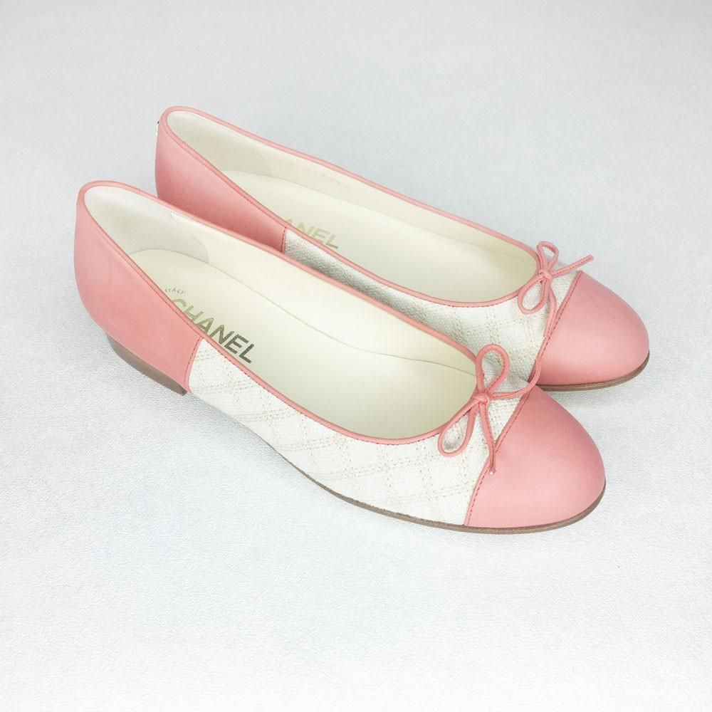 Chanel Ballerina in Peach Leather and Beige Fabric EU39