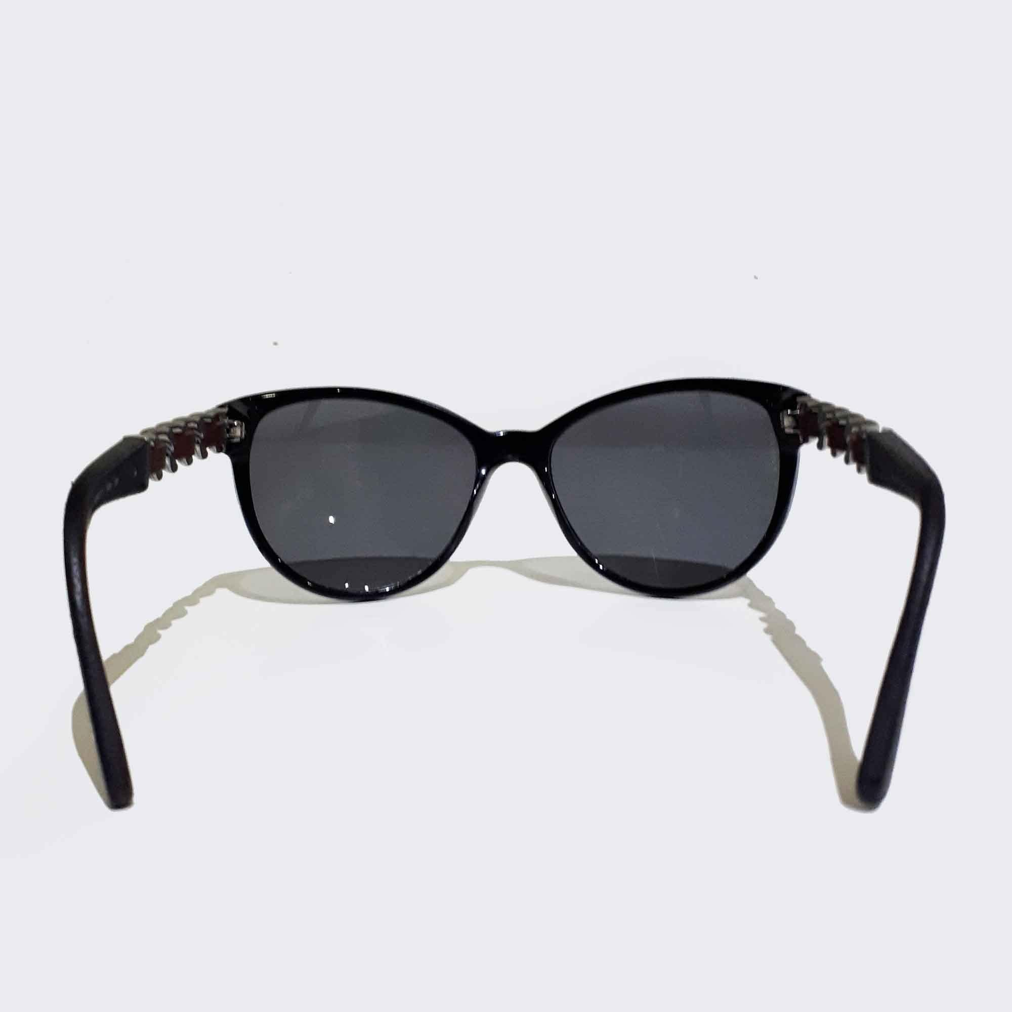 Chanel Sunglasses With Woven Chain Arms – Garderobe