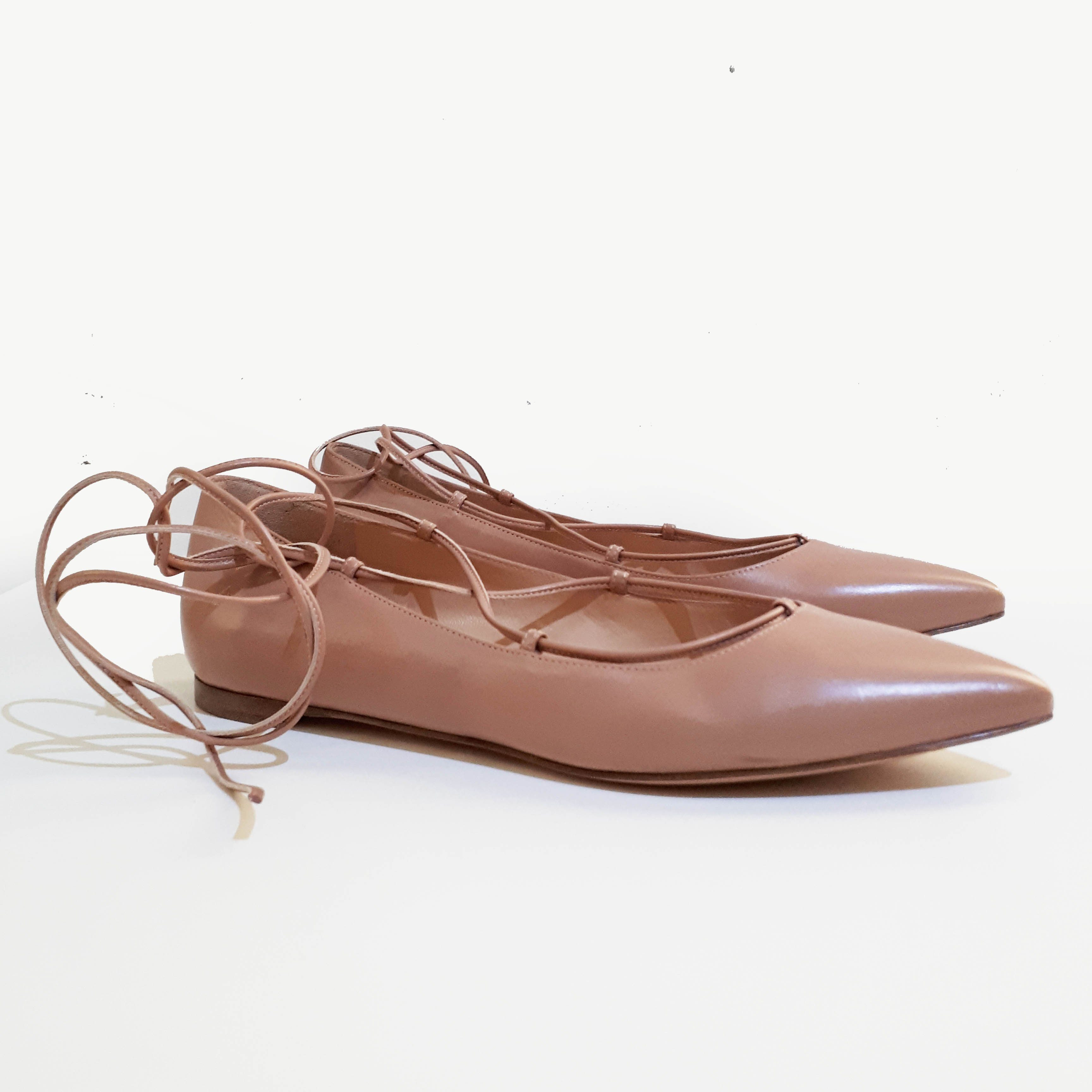 Gianvito Rossi Beige Pointed Toe Lace-up Flats