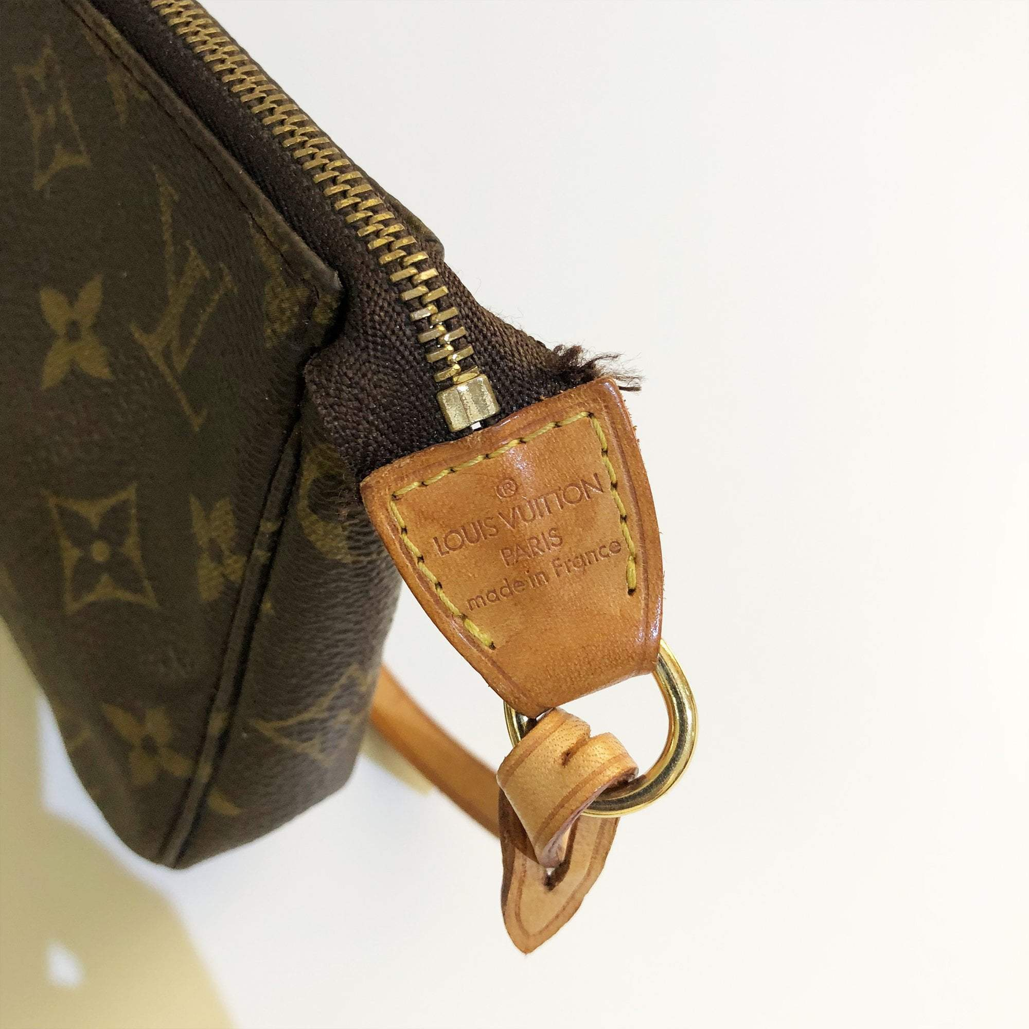 Louis Vuitton Monogram Mini Pochette