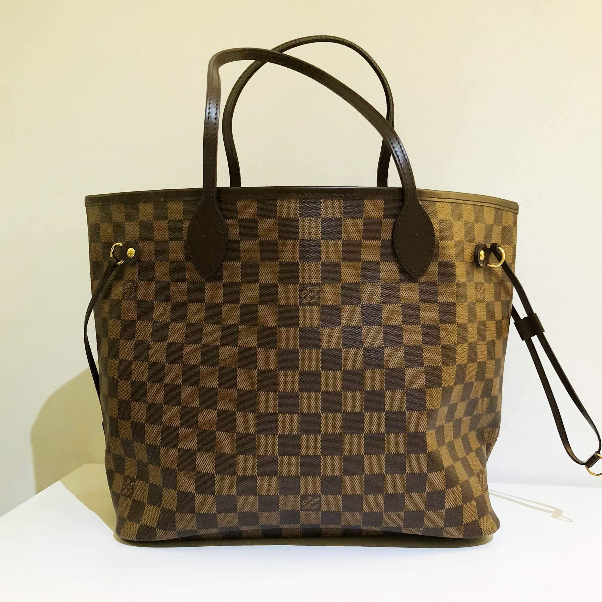 0100e72b8aa Louis Vuitton Damier Ebene Canvas Neverfull MM Bag – Garderobe