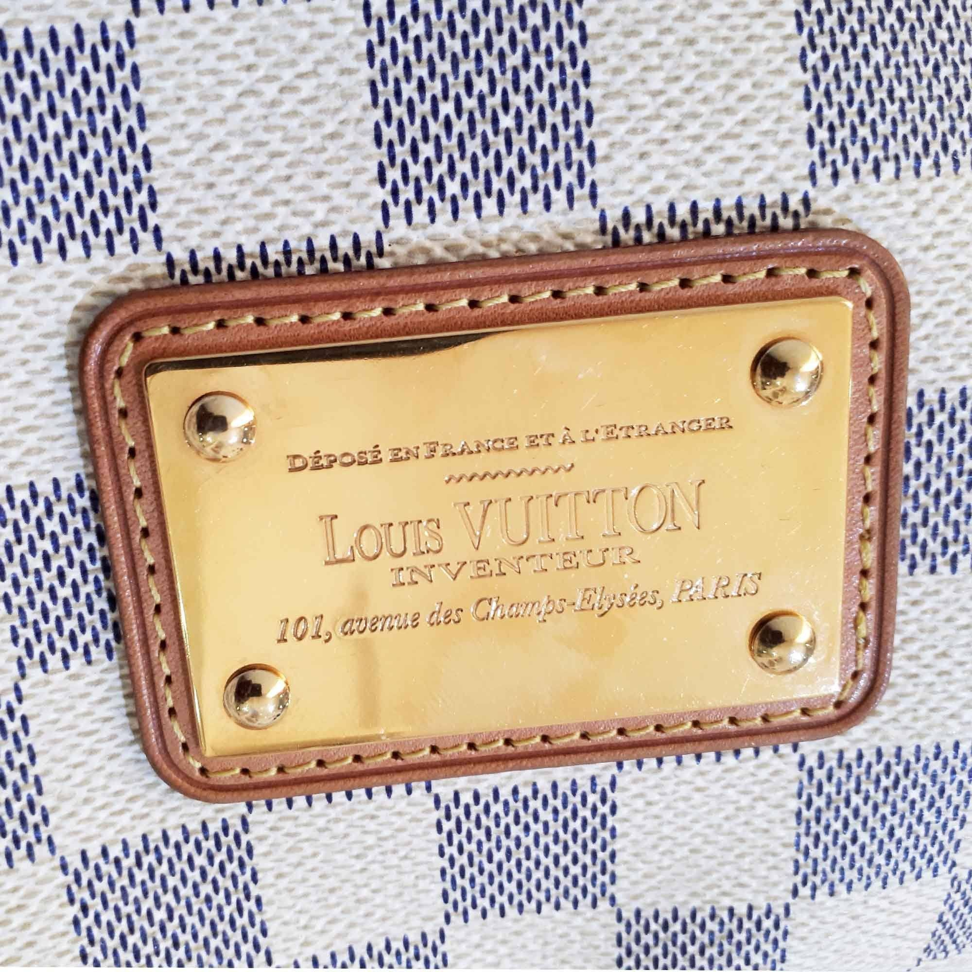 Louis Vuitton Eva Damier Clutch