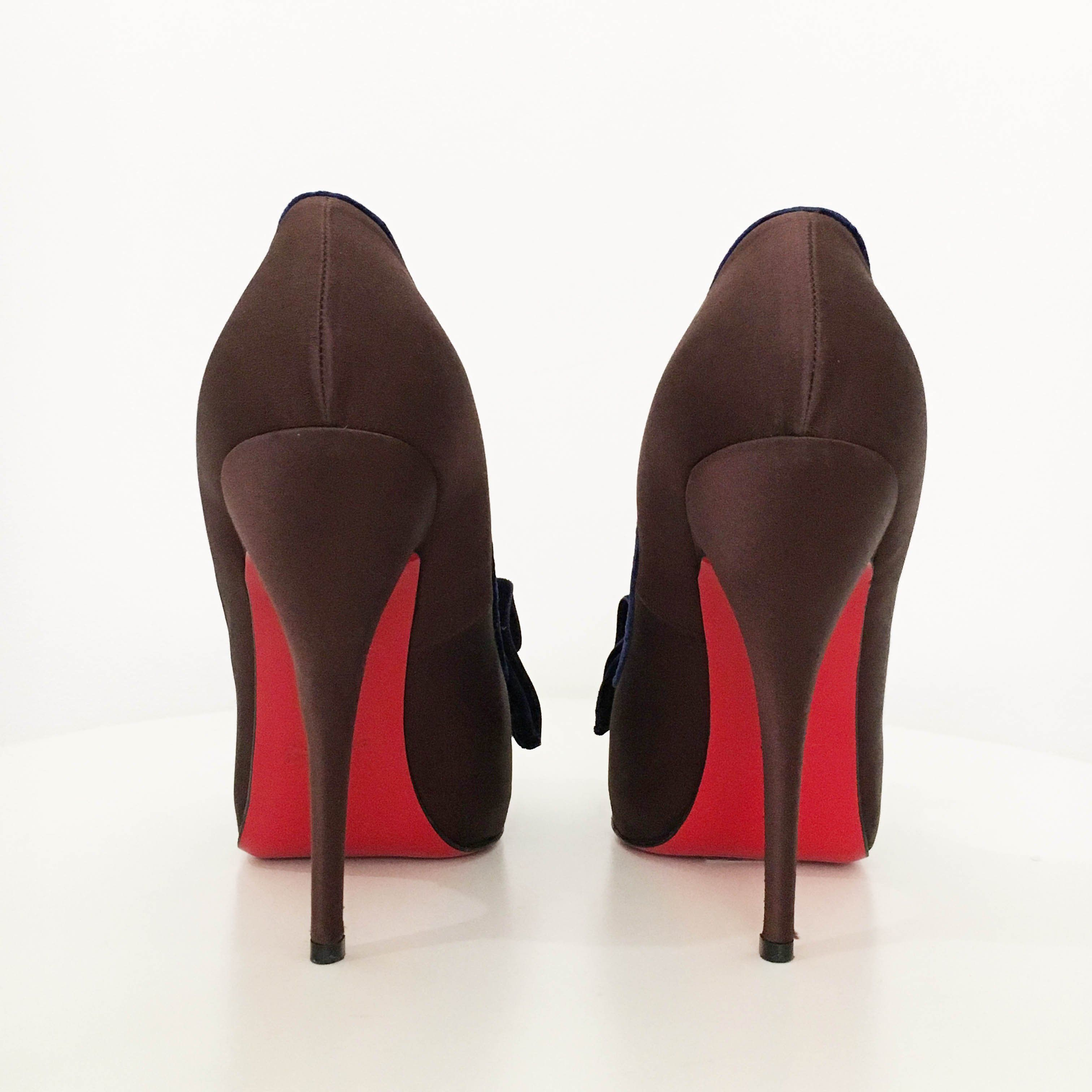 Christian Louboutin Lady Page Velvet-Bow Pumps