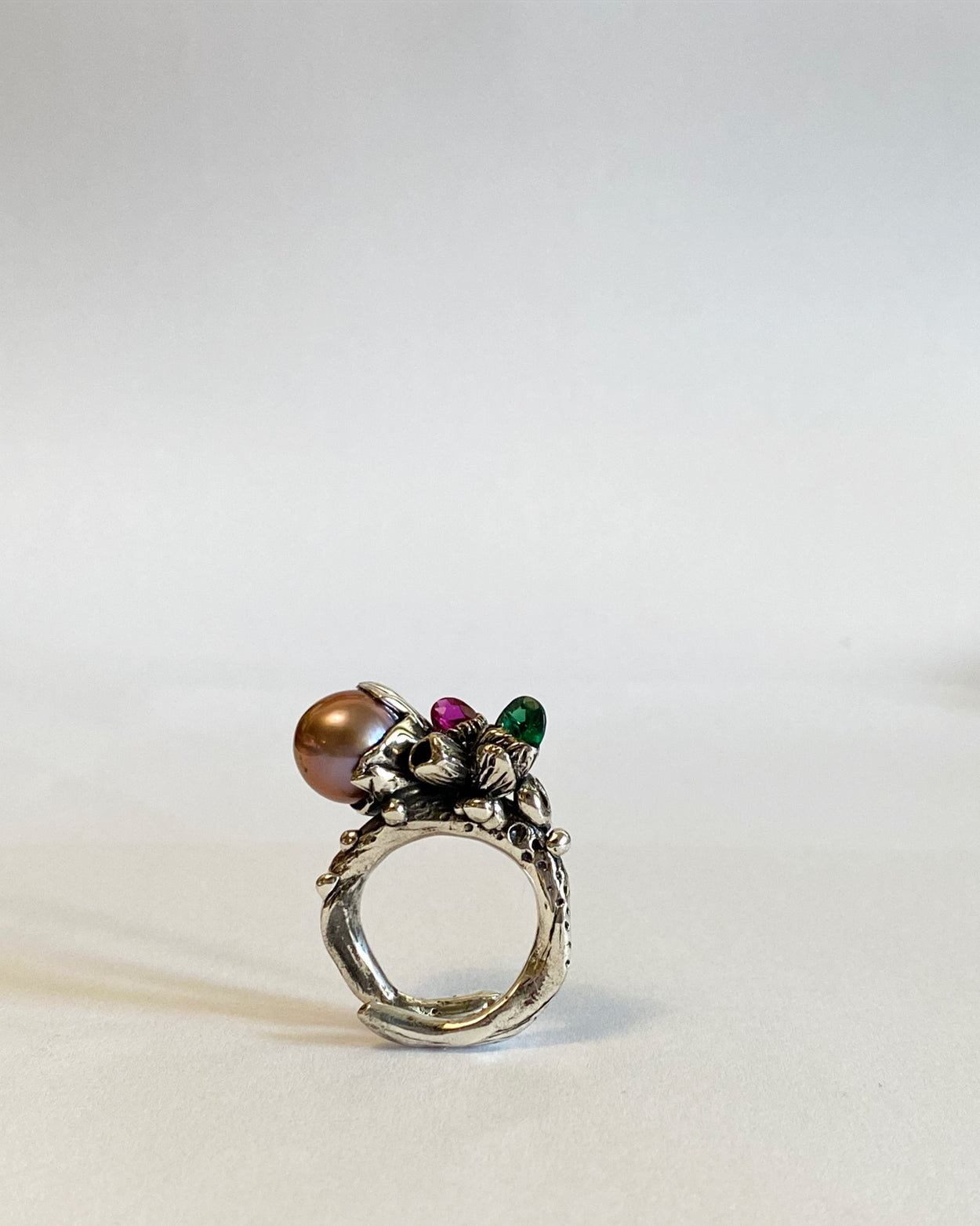 The Pearl Treasure Ring in Silver