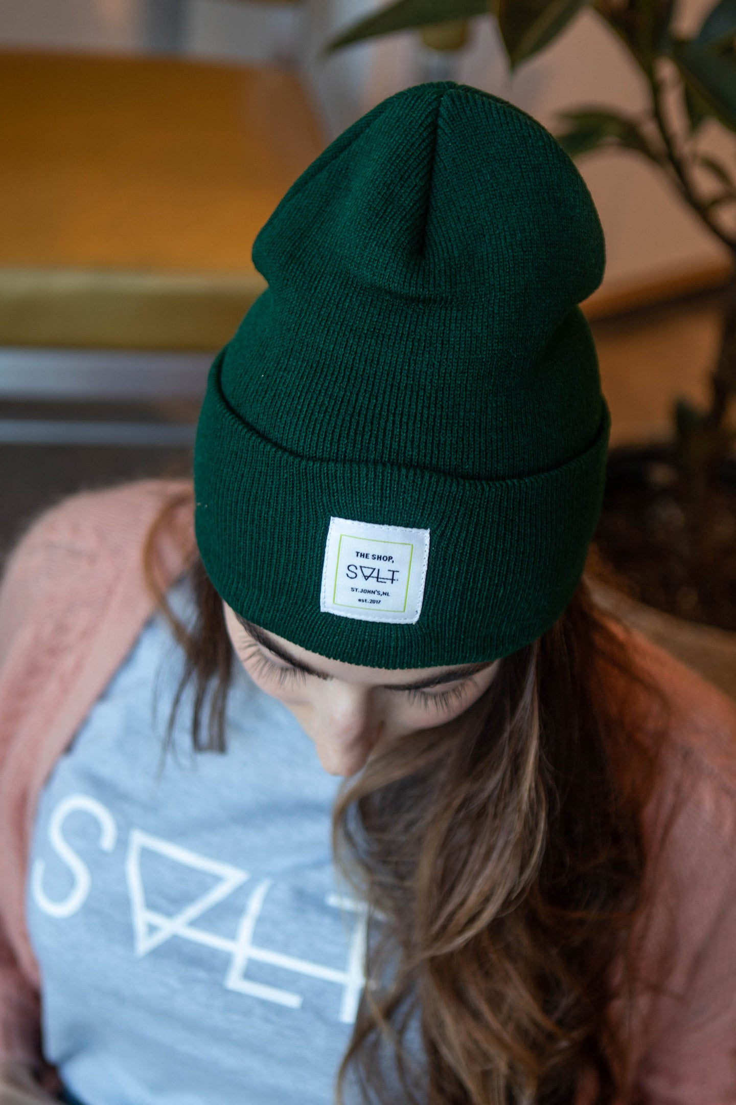 the shop toque in forest green