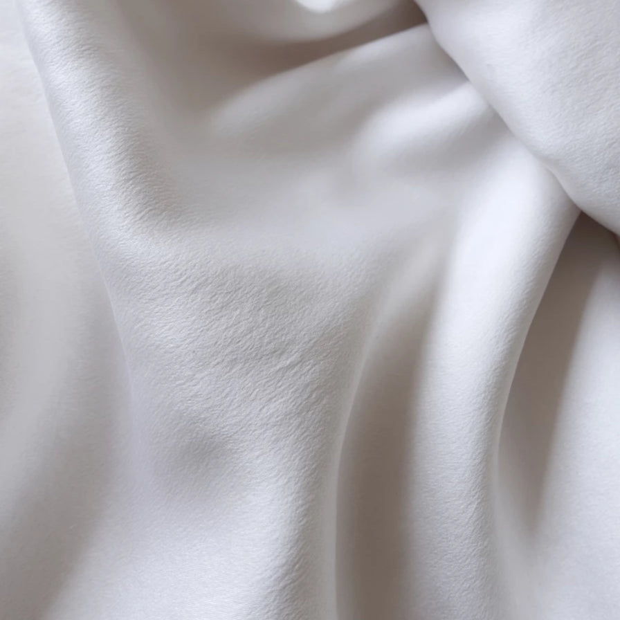silk fabric up close for déjà silk pillowcase acne fighting pillowcase