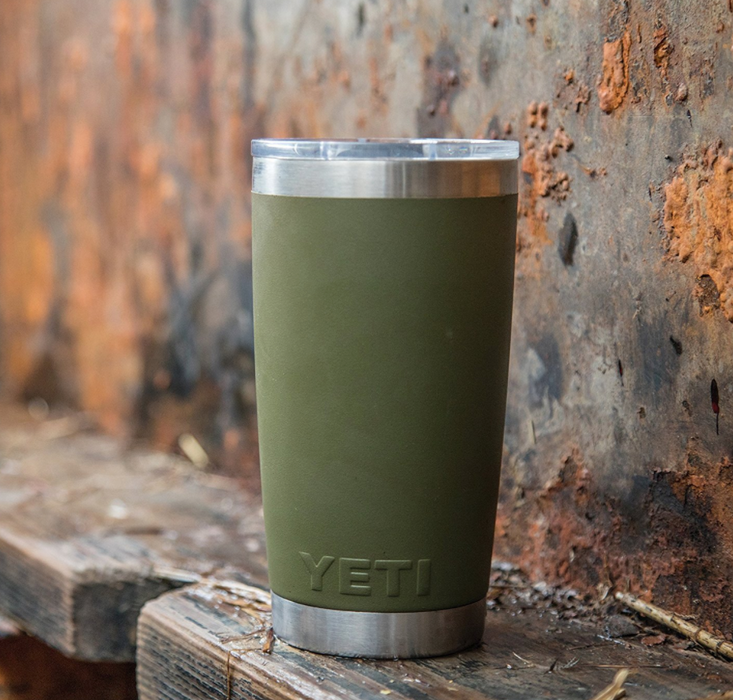 Vacuum Insulated Tumbler Water Bottle by Yeti - 20oz - Rambler