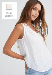 bella dahl sleeveless v-neck smocked top in rosewater