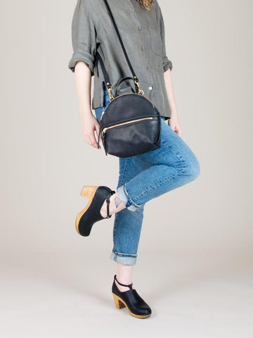 eleven thirty Anni Mini Shoulder Bag with zipper in black