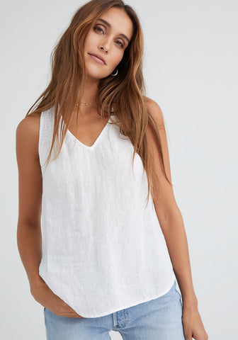 bella dahl sleeveless v-neck smocked top in white