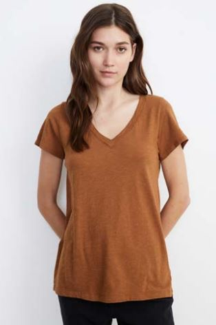 Velvet Jilian03 Originals S/S V-Neck Top in Dune