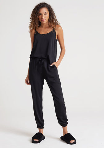 bella dahl Ecovera Satin Jogger in Black
