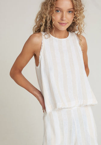 bella dahl miramar swing button back top in bermuda sand stripe