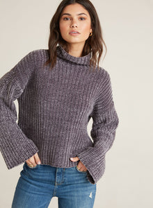 bella dahl l/s loose turtle neck in chenille - white & grey