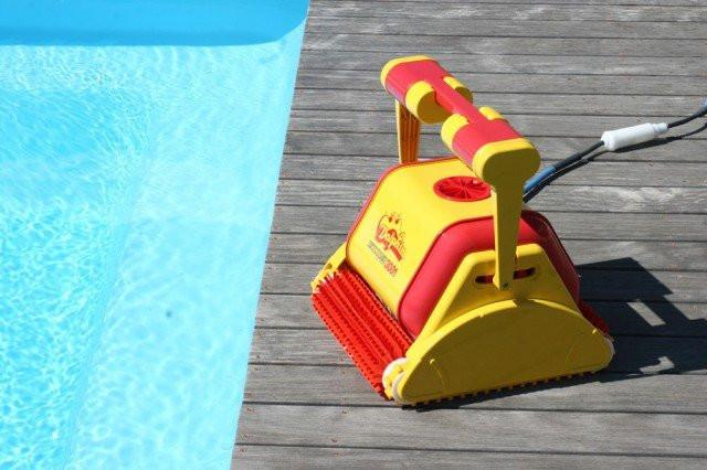 Dolphin 3001C Commercial Pool Cleaner - World of Pools