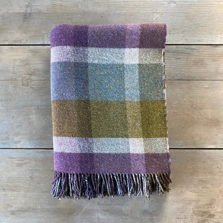 Heritage Lambswool Double Face Throw in Heather Block Check