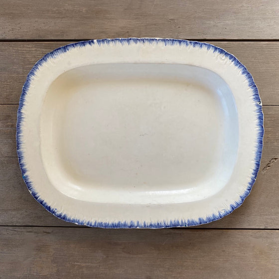 Antique Oval Leeds Platter with Feather Edge - 16.5""
