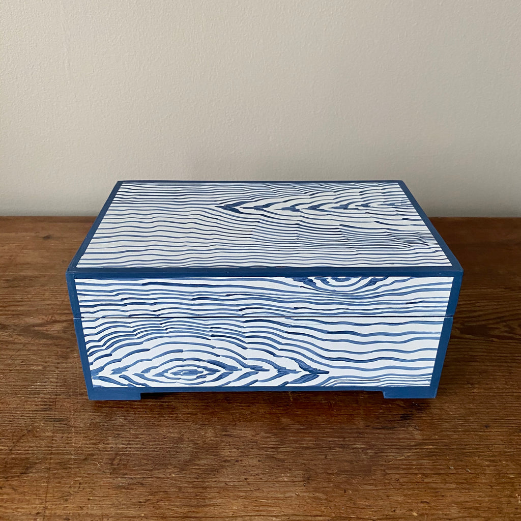 * Back In Stock * Footed Delft Blue Fantasy Faux Bois Keepsake Box