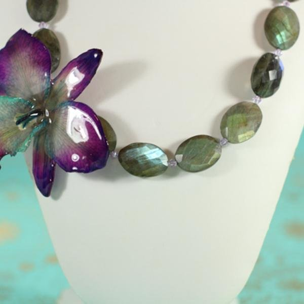 Labradorite and Orchid Statement Necklace | Handmade Jewelry | Pearl Necklace - Devi & Co