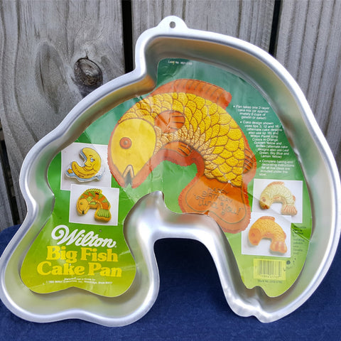 Wilton Big Fish Cake Pan, Vintage Cake Pan, Wilton Model 2105-2763, Baking Supplies, Bakeware, Craft Supplies - 2aEmporium