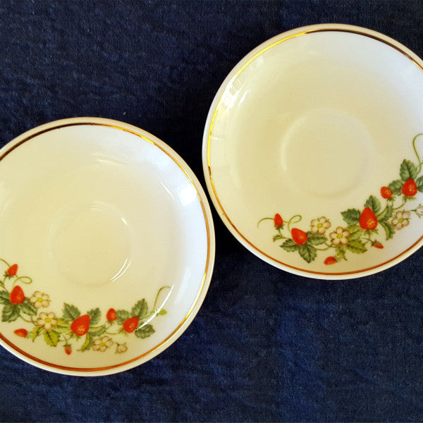 "Set of 2 Avon Collectible Strawberry Saucers, 4"" Saucers, Vintage, Strawberry Saucers, Strawberries, Porcelain Saucer, Country, Avon - 2aEmporium"