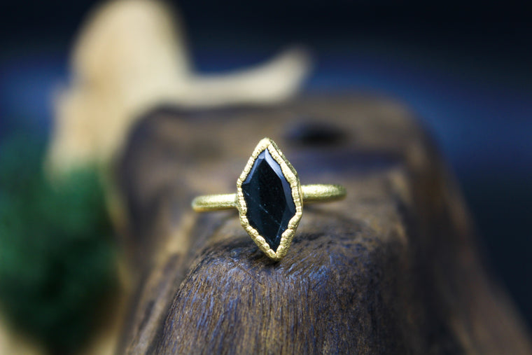 Hexagon Obsidian Ring in Yellow Gold