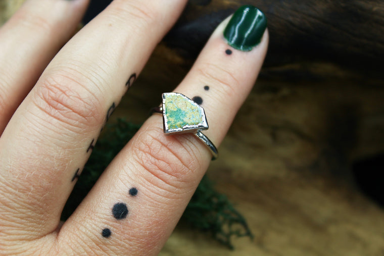 Turquoise Shield Ring in Rhodium