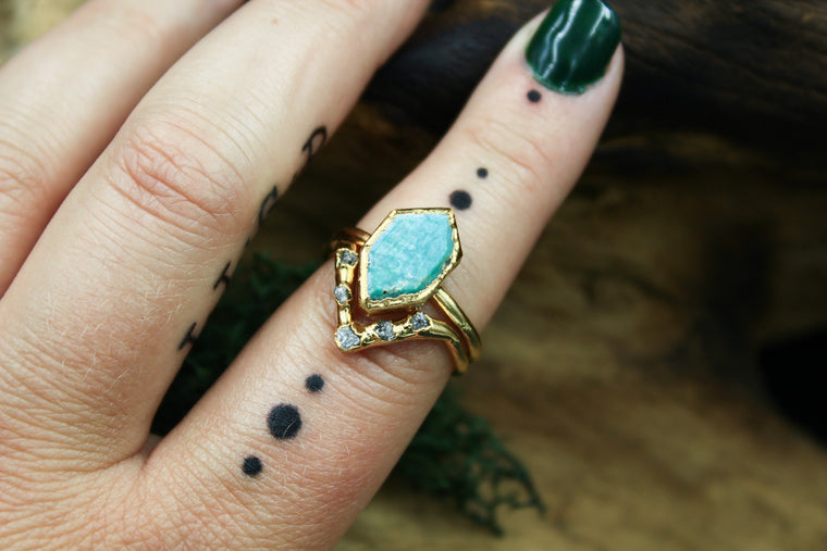 Turquoise and Raw Diamond Ring Set in 24k Yellow Gold