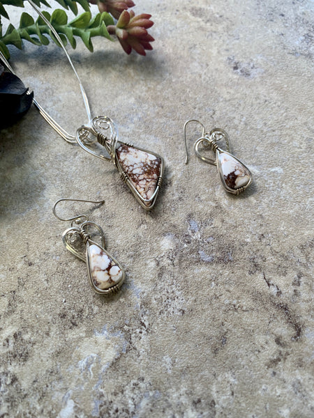 Necklace Earring Set Wild Horse Stone