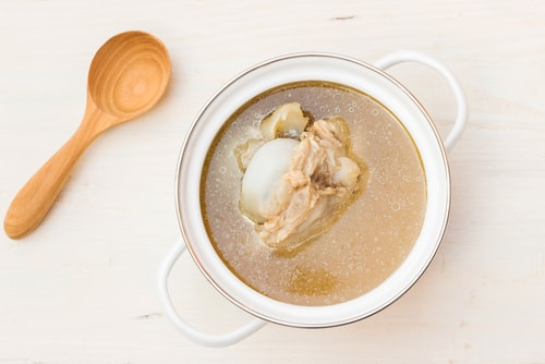 8 Reasons You Should Be Using Bone Broth Daily