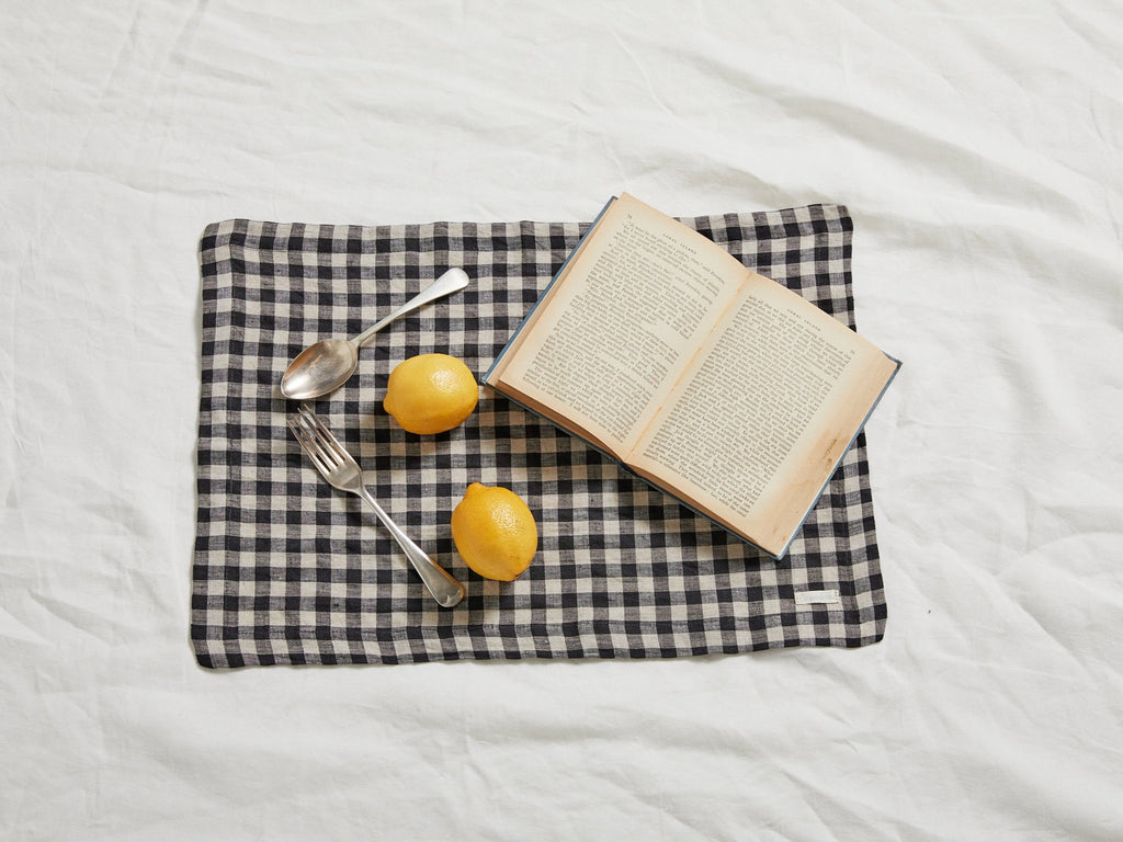CLASSIC GINGHAM LINEN PLACEMAT SET (2)