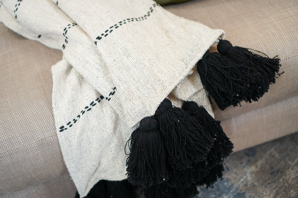 Throw | Raw Cotton With Tassels Throw.