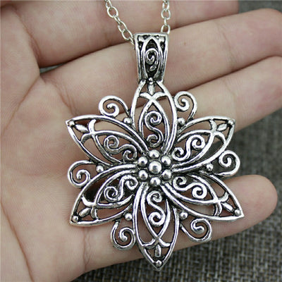 Big Flower Pendant Necklace - GearBody