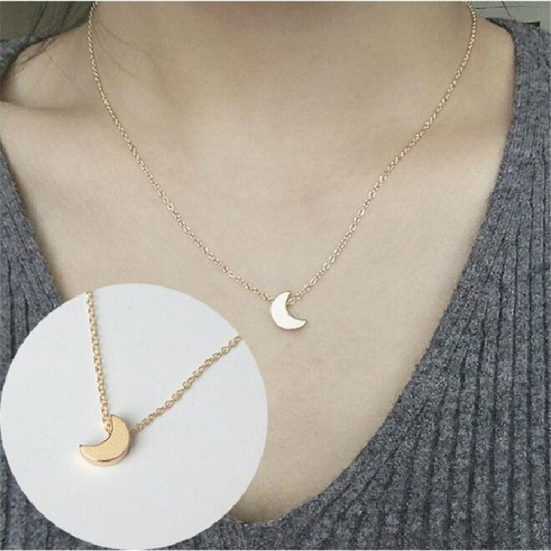 Compact Crescent Moon Pendant Necklace - GearBody