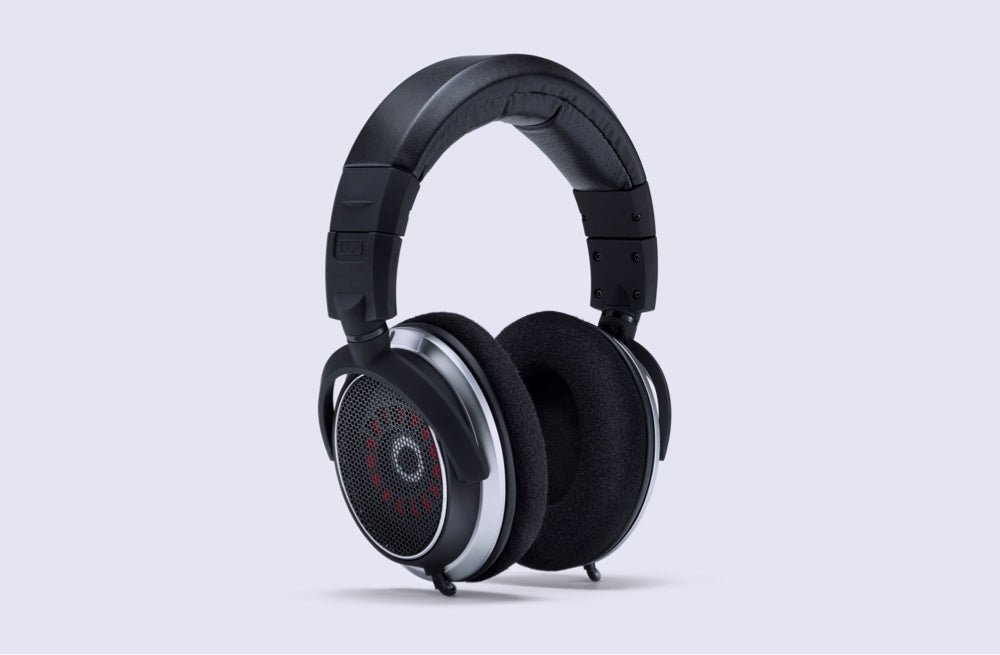 7 Bad-ass Headphones That Pair Well With Casual Outfits