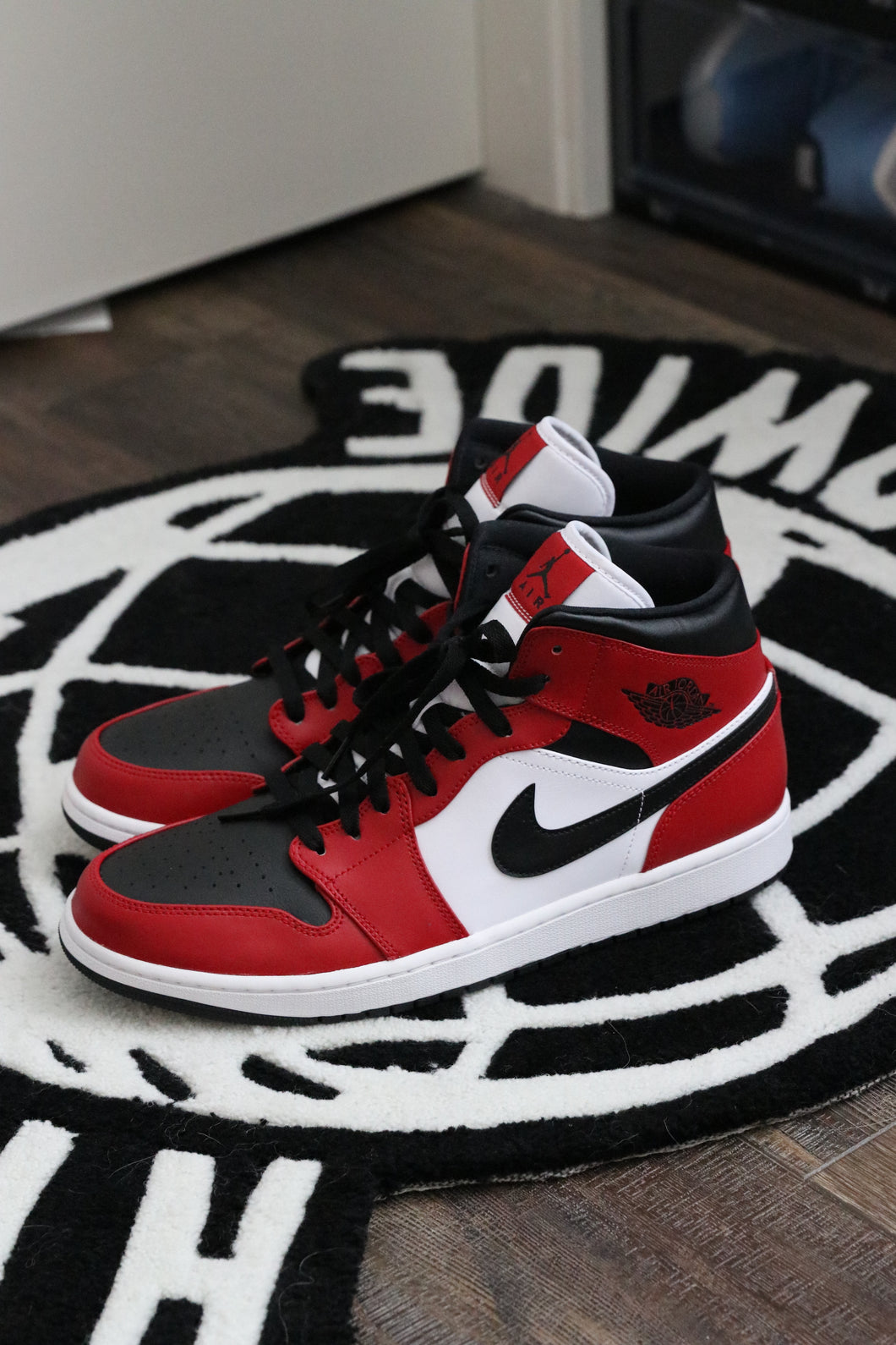Air Jordan 1 Chicago Mid | New | Size 12