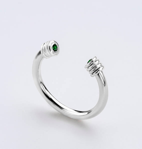 Eyes Talk Sterling Silver Ring - Green Zircon