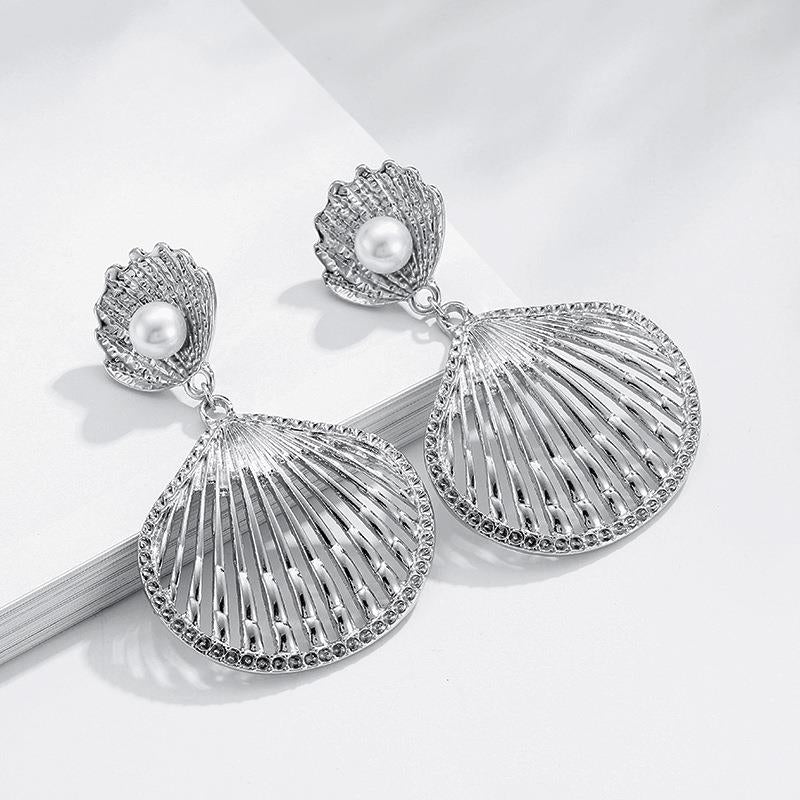 Cockle Shell Silver Pearl drop Earrings