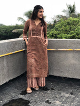 Dusky Pharaad Kurta + Striped Palazzo Set