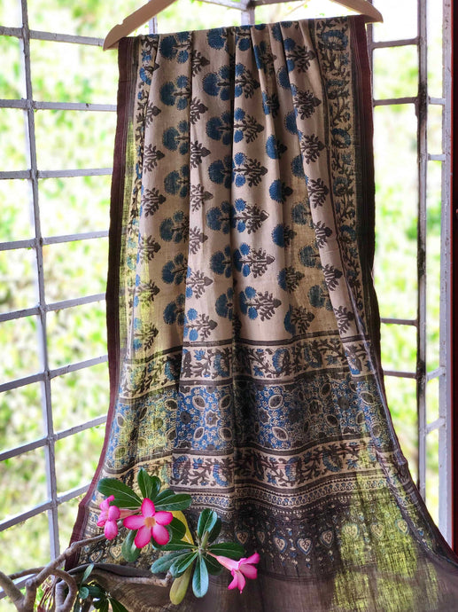 Ivory Dahlia Handwoven Ajrakh Dupatta| Natural Dyed