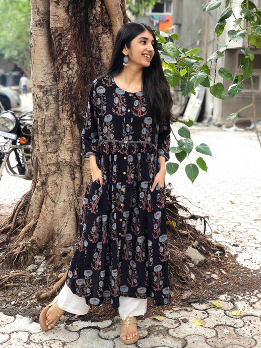 Black Floral Pleated Kurta