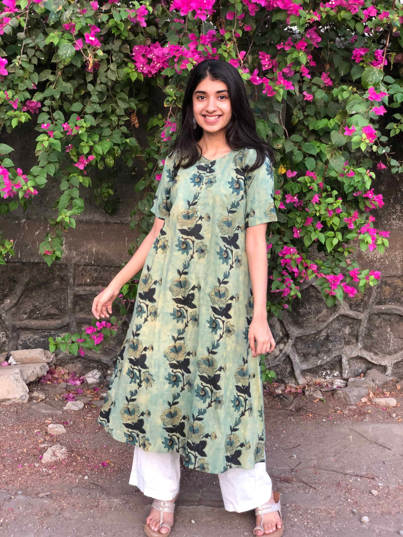 Greeshma Floral Trail Kurta