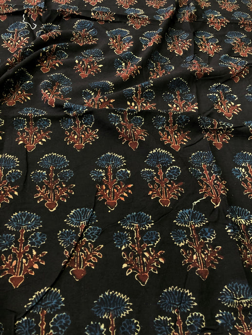 Black Dahlia Print Blouse Fabric (1.10m)